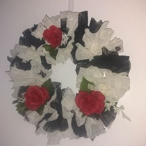 Monochromatic wreath